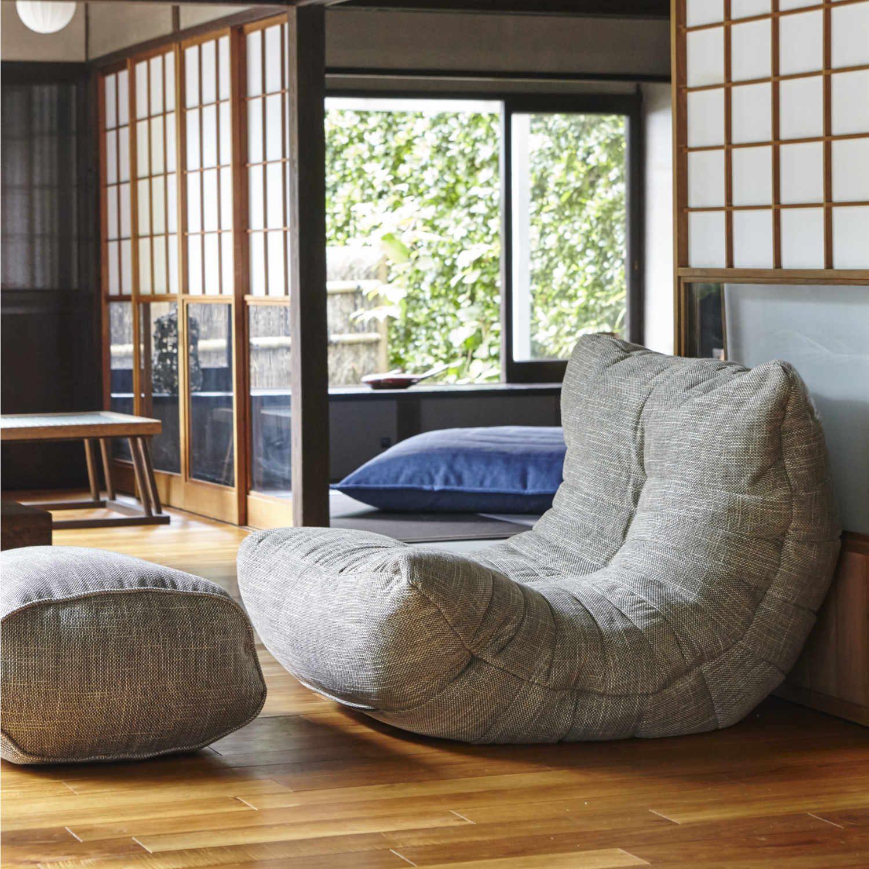 和室にも合う丸みを帯びたグレーのビーズソファ